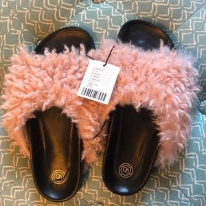 NWT Urban Outfitters Fuzzy Slides